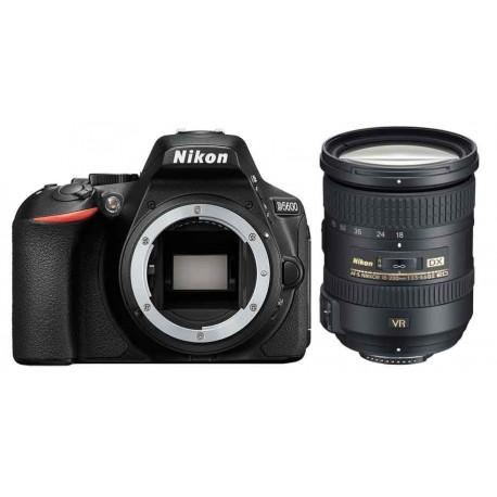 Nikon D5600 + 18-200mm VR